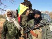 Touareg independence fighters are reportedly continuing their advance, advancing south towards Mopti. April 2012