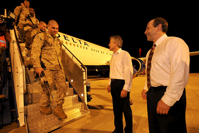 The first contingent of the United States Marine Corps are greeted by Australia's Minister for Defence, Stephen Smith and United States Ambassador for Australia, His Excellency Jeffrey L. Bleich as they arrive at RAAF Base Darwin.