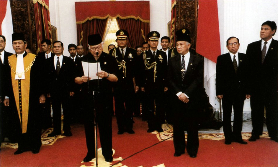 Mr. Suharto presented his address of resignation as President of the Republic of Indonesia at Merdeka Palace Jakarta, 21 May 1998.