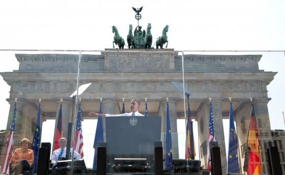 President Barack Obama delivers remarks at the Brandenburg Gate in Berlin, Germany, June 19, 2013. (Official White House Photo by Pete Souza)