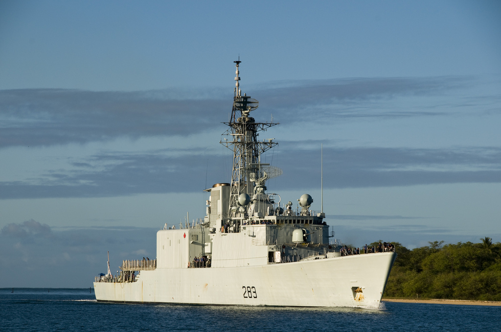 PEARL HARBOR (Jul. 29, 2010) - The Canadian navy Iroquios-class guided missile destroyer HMAS Algonquin (DDG 283) returns to Joint Base Pearl Harbor-Hickam after participating in Rim of the Pacific (RIMPAC) 2010 exercises. RIMPAC is a biennial, multinational exercise designed to strengthen regional partnerships and improve multinational interoperability.