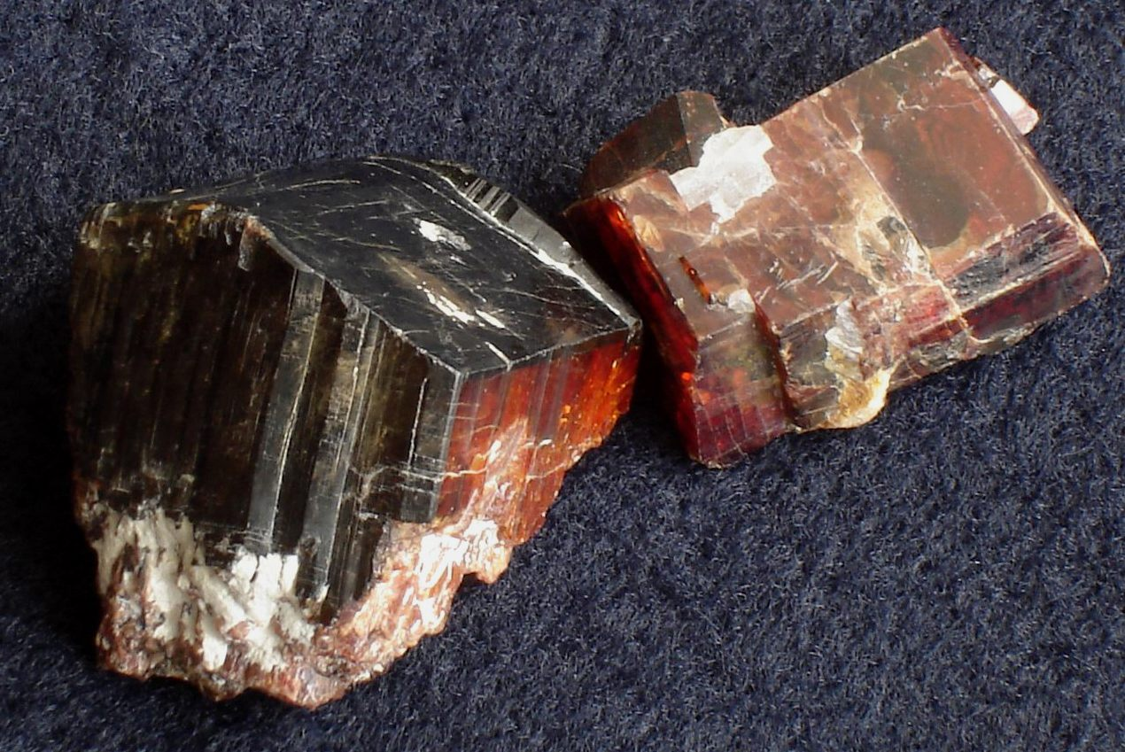 Tantalite-(Mn) (formaly known as Manganotantalite) (MnTa2O6) from Alto do Giz,RN,Brazil. Two crystals (average size=3x4cm)