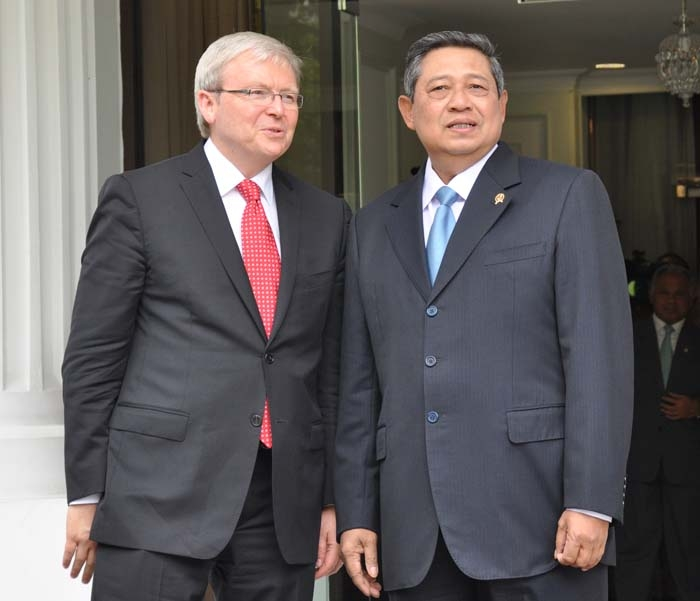 Then Australian Minister for Foreign Affairs, The Hon Kevin Rudd MP met with Indonesian President HE Susilo Bambang Yudhoyono in Jakarta on 29 March 2011.