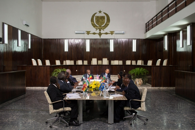 President Barack Obama meets with Chief Justice Papa Oumar Sakho and regional judicial leaders at La Cour Suprême in Dakar, Senegal, June 27, 2013. (Official White House Photo by Pete Souza)