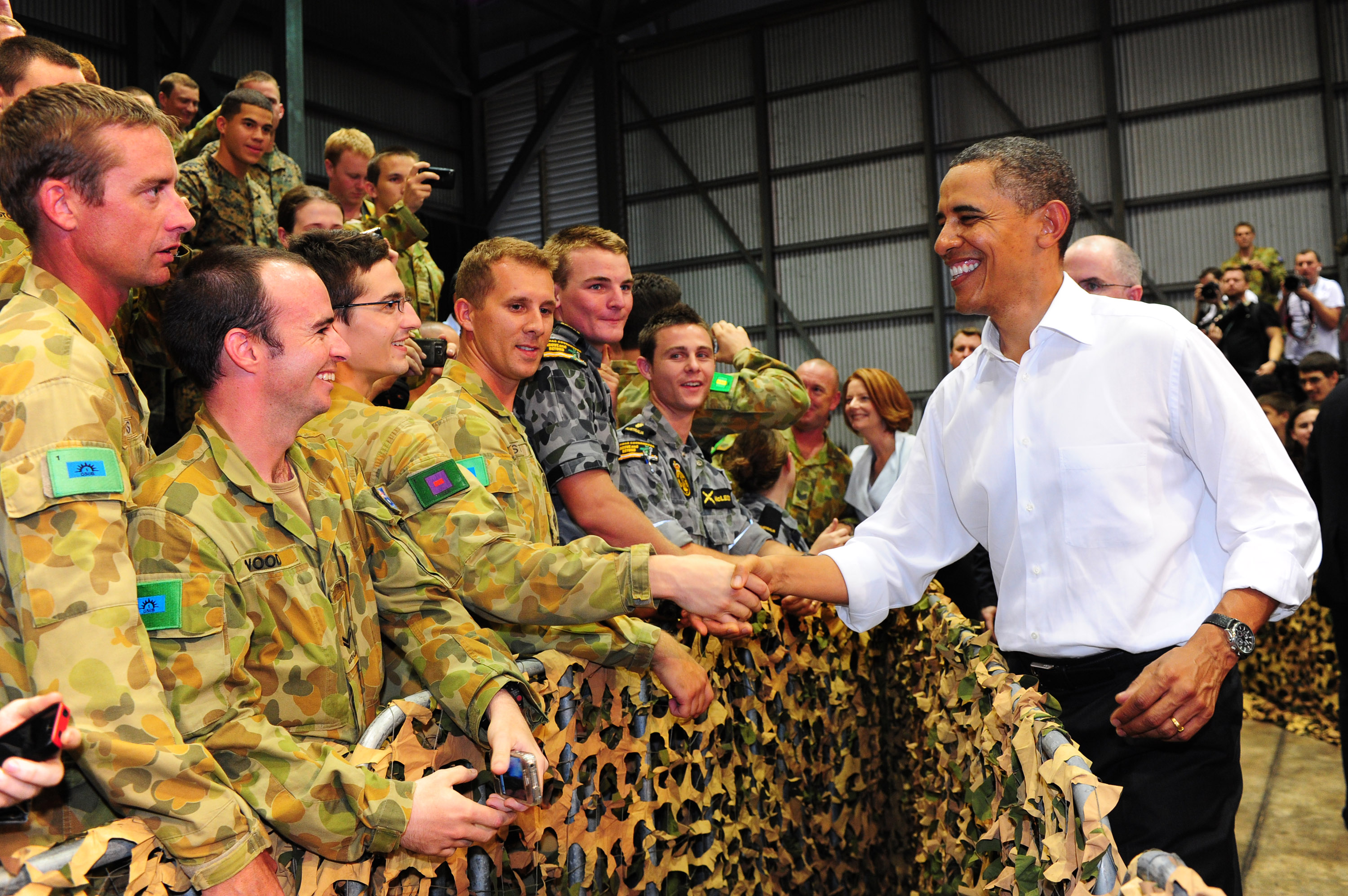 President Barack Obama meets ADF personnel at the conclusion of his visit to RAAF Base Darwin.