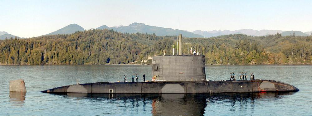 HMCS Victoria SSK-876 near Bangor