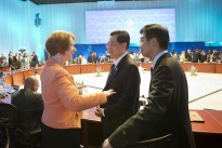 PM Gillard in conversation with Hu Jintao at the 2012 G20 meeting.