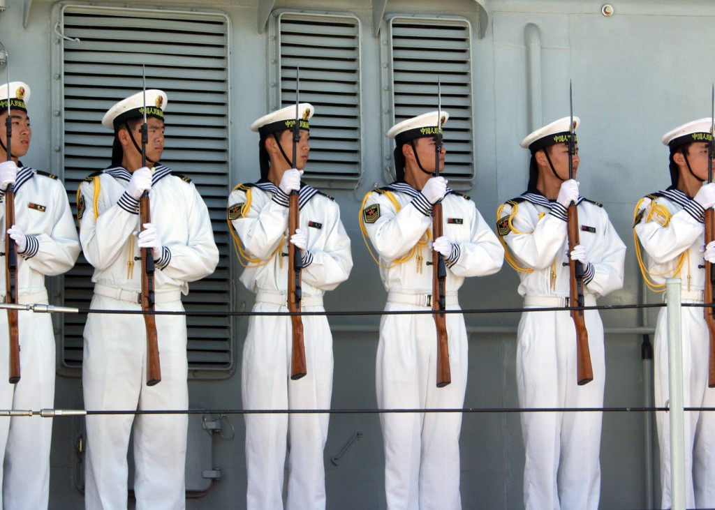 Sailors aboard the Chinese Navy destroyer Qingdao (DDG 113)