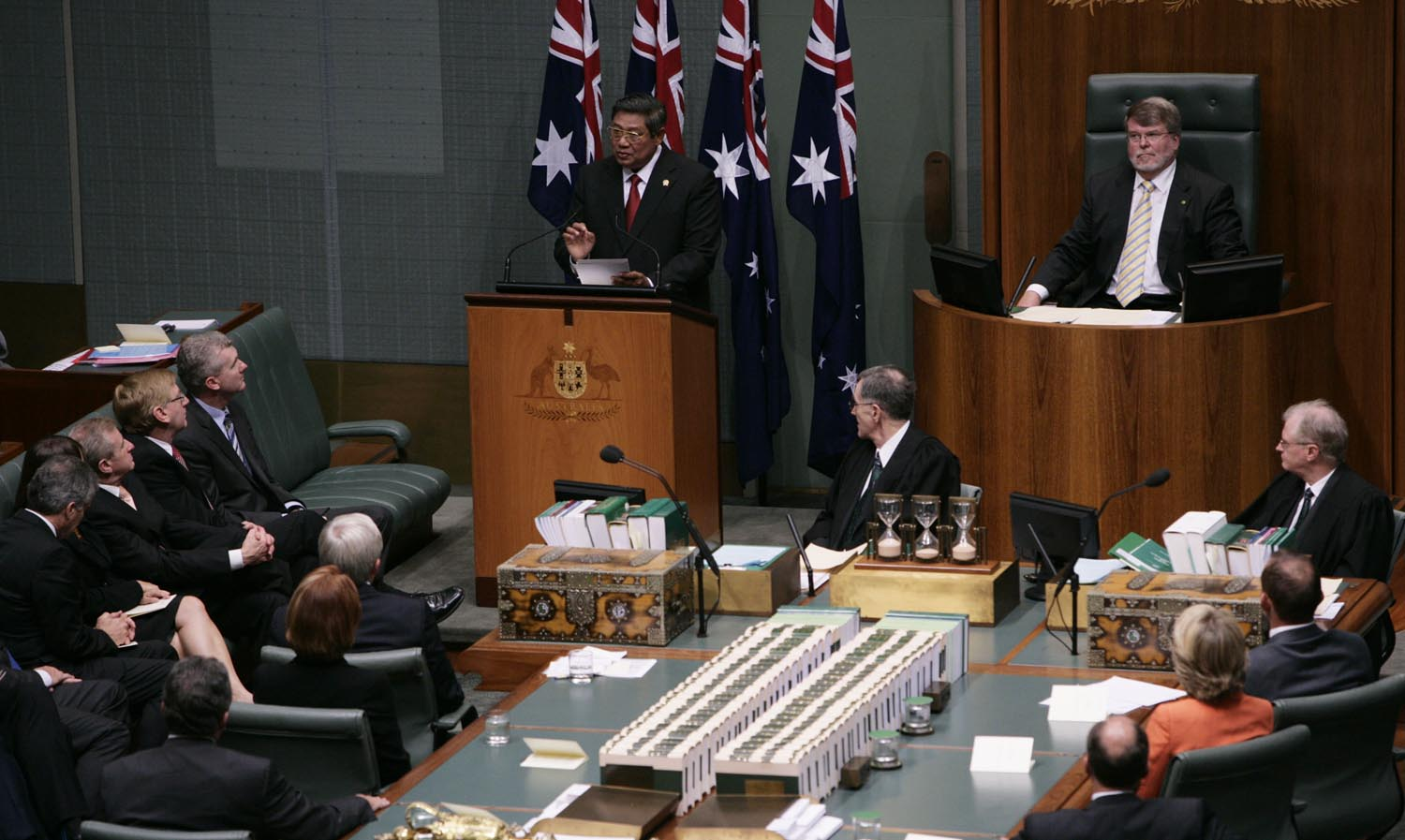 President Susilo Bambang Yudhoyono delivers a speech in a joint session before the Australian parliament, in the Great Hall, Parliament House, Canberra, Wednesday (10/3) afternoon.