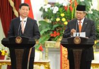 Presiden SBY dan Presiden RRT Xi Jinping memberi keterangan pers bersama seusai pertemuan bilateral di Istana Merdeka, Rabu (2/10) sore. (foto: laily/presidenri.go.id)