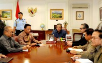 President SBY listening to progress reports on the Australian wiretapping case by the Ambassador to Australia Najdib Riphat Kesoema, at the Presidential Office on Wednesday (20/11) morning. (photo: rusman / presidenri.go.id)