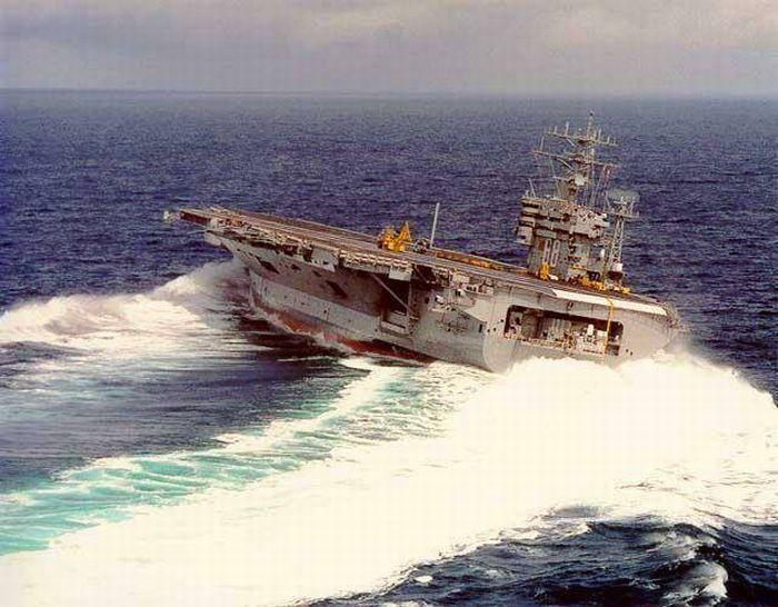 USS Nimitz in a high speed turn
