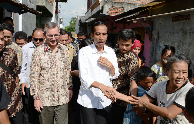 Then Ambassador Marciel joined Governor Joko Widodo for Kampung Visit, June 2013.