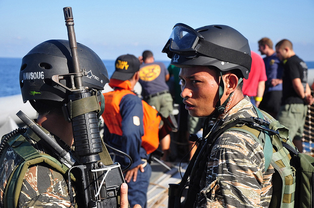 Philippine Navy Special Forces Sailors aboard USNS Safeguard (T-ARS 50)
