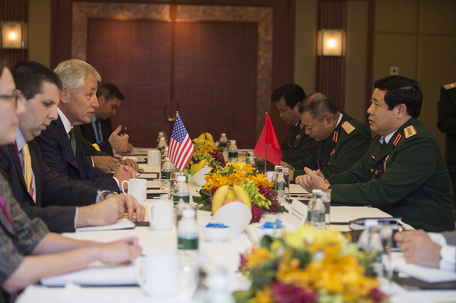 Secretary of Defense Chuck Hagel hosts a bilateral meeting with Vietnams Minister of Defense Gen. Phung Quang Thanh at the Shangri-La Hotel in Singapore May 31, 2014.