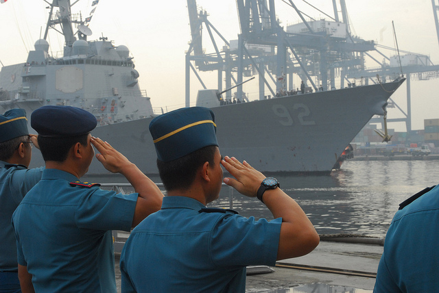 JAKARTA, Indonesia (May 21, 2013) JAKARTA, Republic of Indonesia Sailors render honors as the guided missile destroyer USS Momsen (DDG 92) arrives in Jakarta, Indonesia.