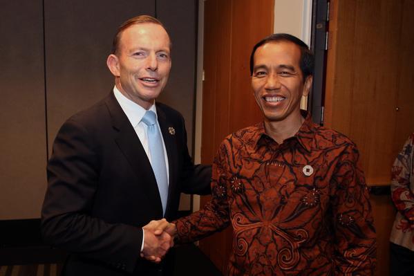 Prime Minister Tony Abbott meets with Indonesian President Joko Widodo during G20 summit.