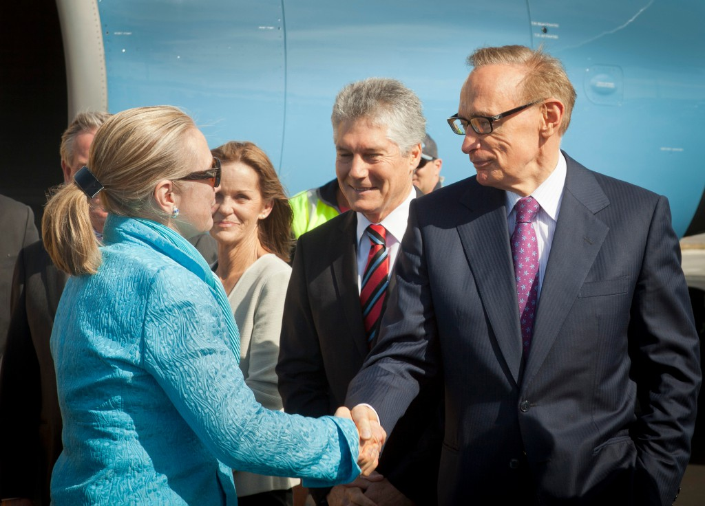 Foreign Minister Bob Carr meets US Secretary of State Hillary Clinton on her arrival in Perth.