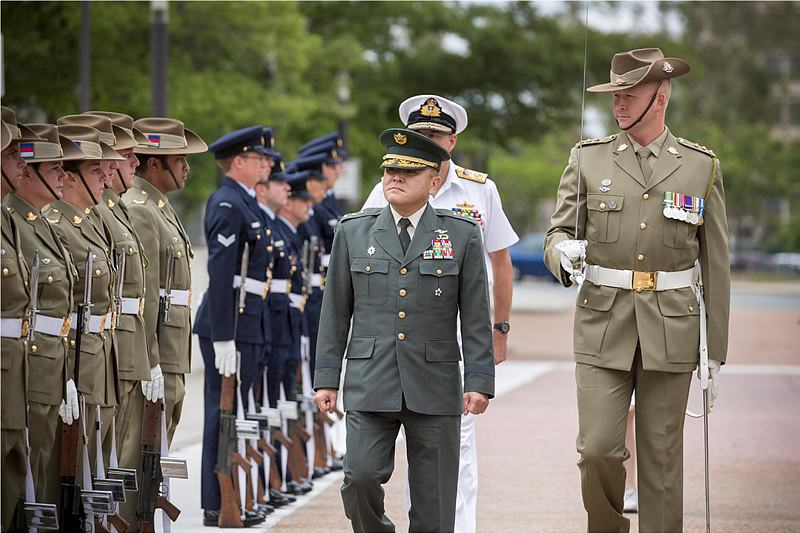 Chief of Joint Staff Office, Japan Self-Defense Forces, Lieutenant General Toshiya Okabe inspects Australia's Federation Guard during a counterpart visit to Russell Offices, Canberra.