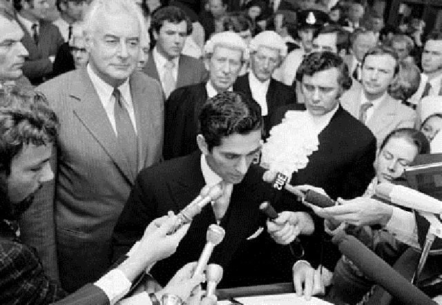 Demonstrations - Australian capital territory - Demonstration against the Dissolution of Parliament by Sir John Kerr and support for Mr Gough Whitlam at Parliament House, 1975