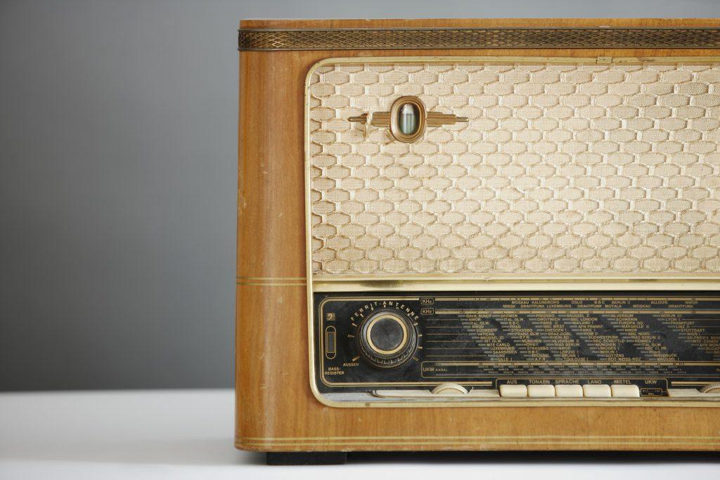 radio-1773304_1920
